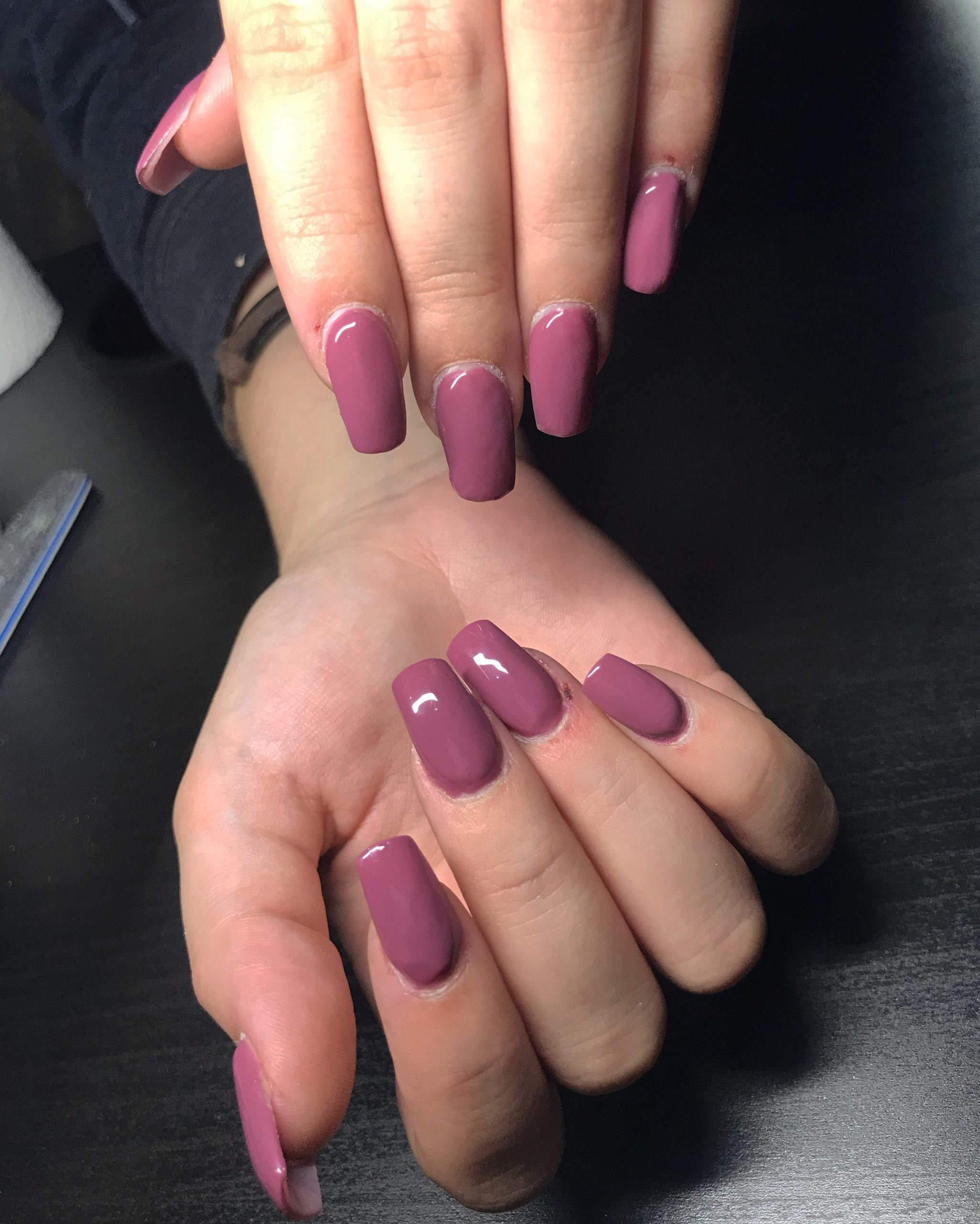 http://Red%20nails
